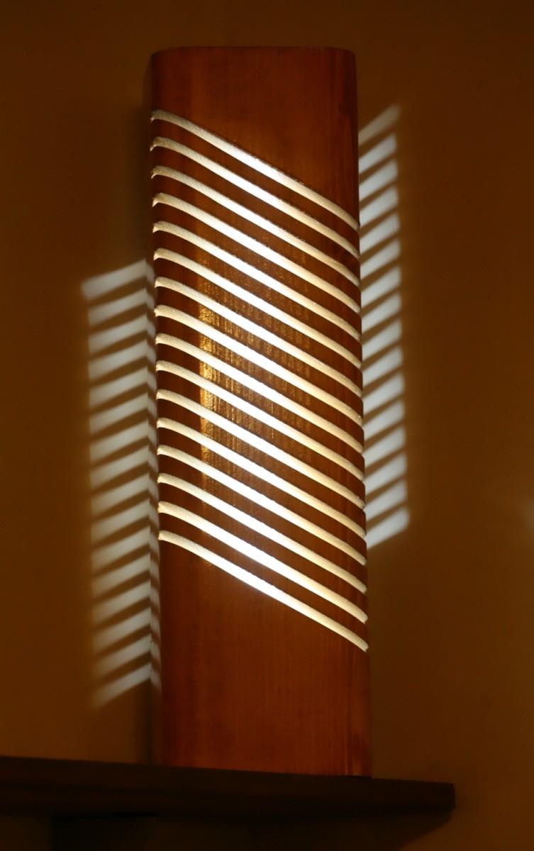 """Светильник из дерева (световая колонна) - """"Свеча"""""""