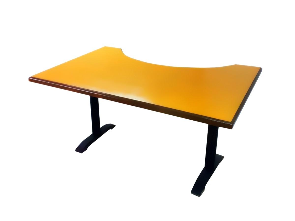 Компьютерный стол из массива дуба - дизайнерский. Абрикос